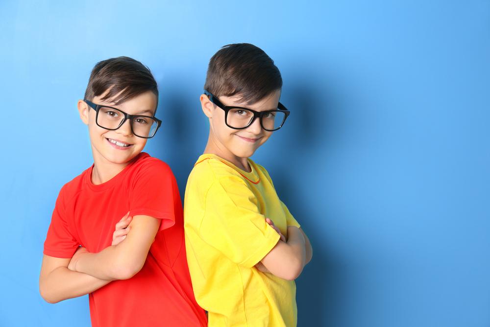 Photo of Zwillinge sind eifersüchtig aufeinander: Was können Eltern tun?