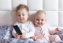 Photo of Darf ein Baby fernsehen? – Gefahren, Folgen, Studien und Tipps